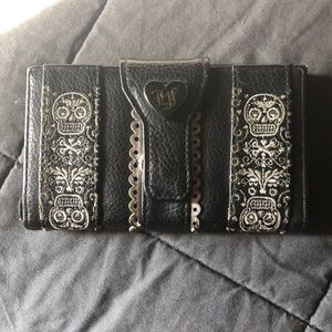 Lounge Fly wallet